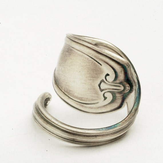 ON SALE Spoon Ring Unique Victorian Motif Sterling Silver, Handmade in Your Size (1876)