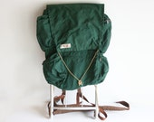 Vintage Dark Green Camp Trails Astral Cruiser Nylon Hiking / Camping Backpack