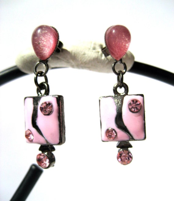Vintage pink stud earrings dangling square decorated with pink enamel and rhinestones Code V66