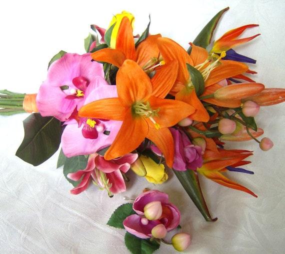 Tropical wedding bridal bouquet matching boutonniere
