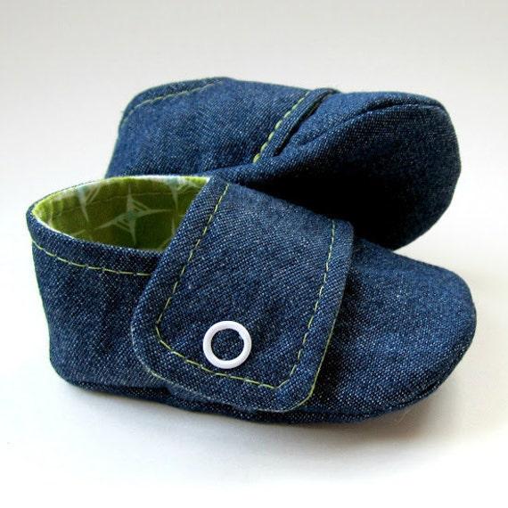 Baby Booties in Dark Denim and Green Cotton - Sizes 1-4