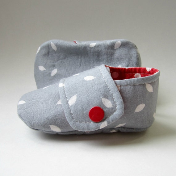 SALE - Baby Booties in Grey, Red, and White - Size 4 - Ready to Ship