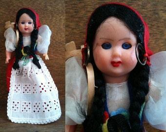 Vintage English pretty village display doll with closing eyes basket circa 1950's / English Shop