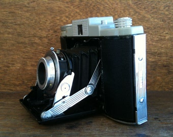 Vintage English Made Kodak 66 in Brown Leather Case circa 1950's / English Shop