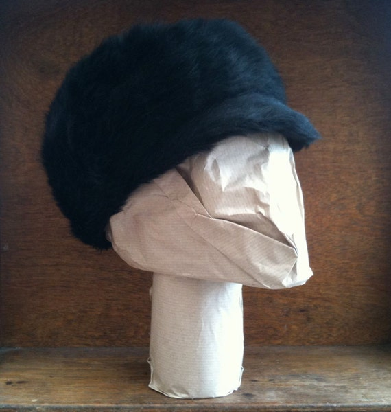 Vintage English black charcoal ladies hat faux fur circa 1960's / English Shop