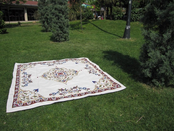 Ivory square Tablecloth daisy floral tile print Ottoman Picnic Park Beach Yard Camp Yoga cloth Turkish traditional Hand woven