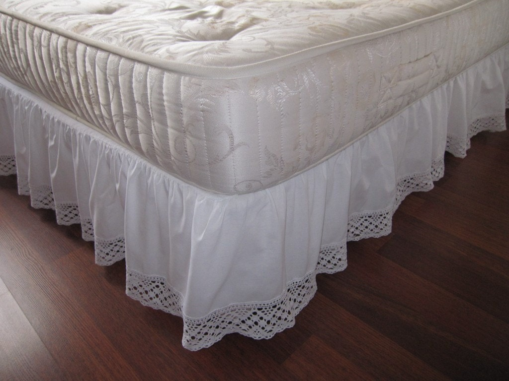 twin xl queen king dust ruffle bedskirt solid white pink. Black Bedroom Furniture Sets. Home Design Ideas