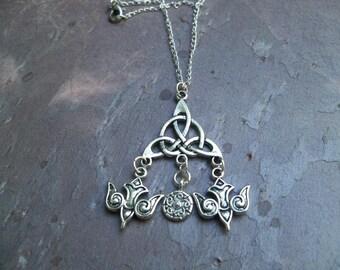 Odins Ravens Amulet (Assembled item)
