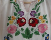 SALE 1960s vintage romantic Hungarian handmande folk art blouse for women, size S
