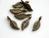 20 pcs Antique Bronze cute Leaf Charm Pendant Bead 17017