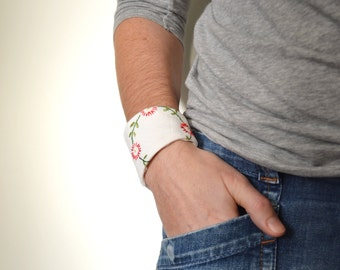 white cotton wrist cuff - white green and red flowers bracelet - mothers day gift - gift for her - patchwork - mothersday - gardeners gift