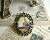 1pc  Paris Eiffel Tower Pendant in Antique Bronze Filigree Flower Oval Stamping Frame Setting- 38x31mm