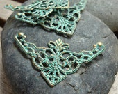 4pcs - Handmade Faux Verdigris Patina Triangle Shape Filigree Connector Wrap Setting - 48x26mm