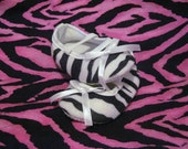 Black/White Zebra Crib Shoes size (3-6 mos.)
