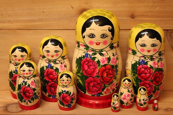 Matryoshka babushka Nesting doll Traditional russian style large set 0f 10