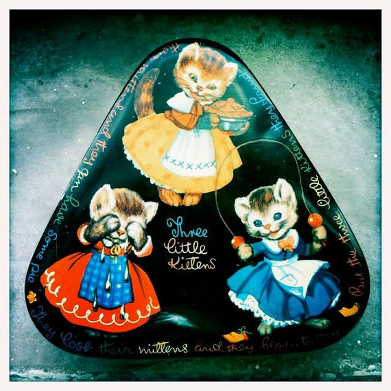 Vintage 1920s Adorable Three Little Kittens Horner Tin