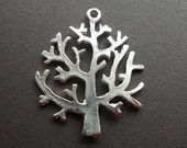 8 pieces of Life of Tree silver plated pendant