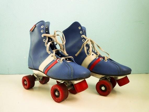 Vintage Skates Roller Derby 70s Size 8 / Blue White Red