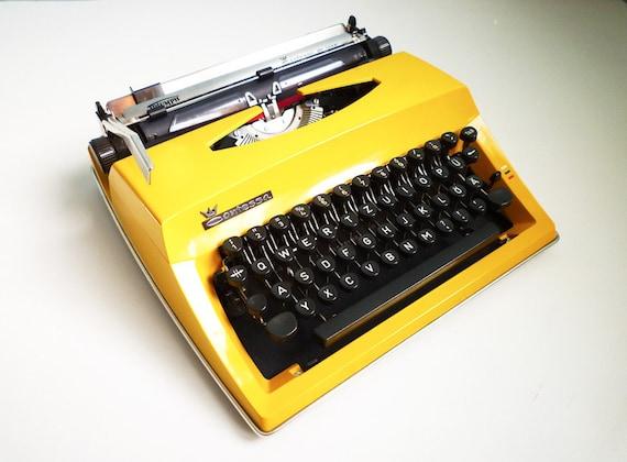 Vintage Contessa DeLuxe Yellow Typewriter Portable Manual Triumph Adler
