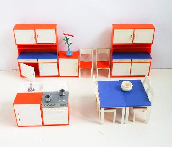 Vintage Kitchen & Bedroom Vintage Doll Furniture 70s 1/15