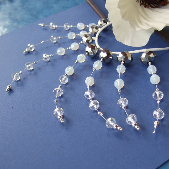 White and pewter crystal glass beaded collar necklace Silver Spray