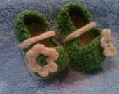 Infant Mary Janes with flower