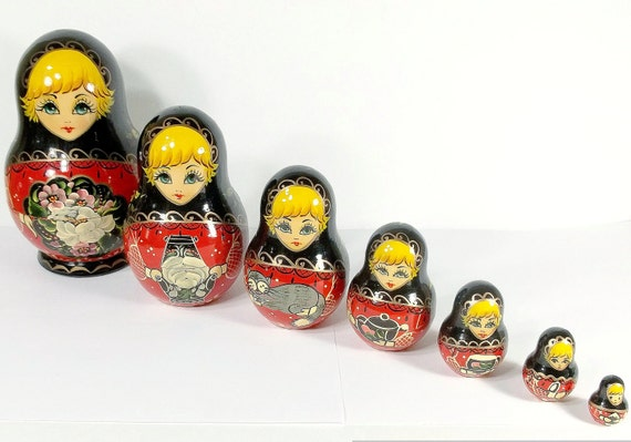 Beautiful Bright Artist Signed Russia Nesting Doll Colorful Hand Painted Matryoshka 7 pieces