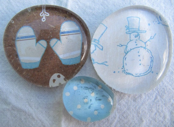 Glass Pebble magnets - Snowman-Mittens - Set of 3 - Winter - Seasonal - Blue - Brown - white - Christmas - Gift - Xmas