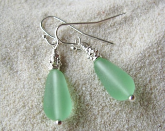 Bridesmaid Wedding Jewelry Green Bridesmaids Earrings Sea Glass Style Light Green Colored Tear Drops