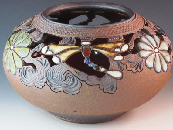 Round Decorative Vase  With Dragonflies And Flowers