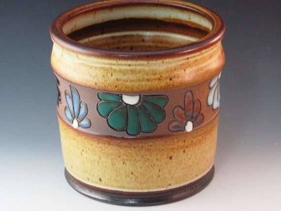 Utensil Holder With Variety of Color And Design