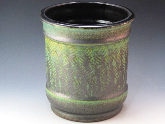 Container Pot With Subtle Texturing In The Middle