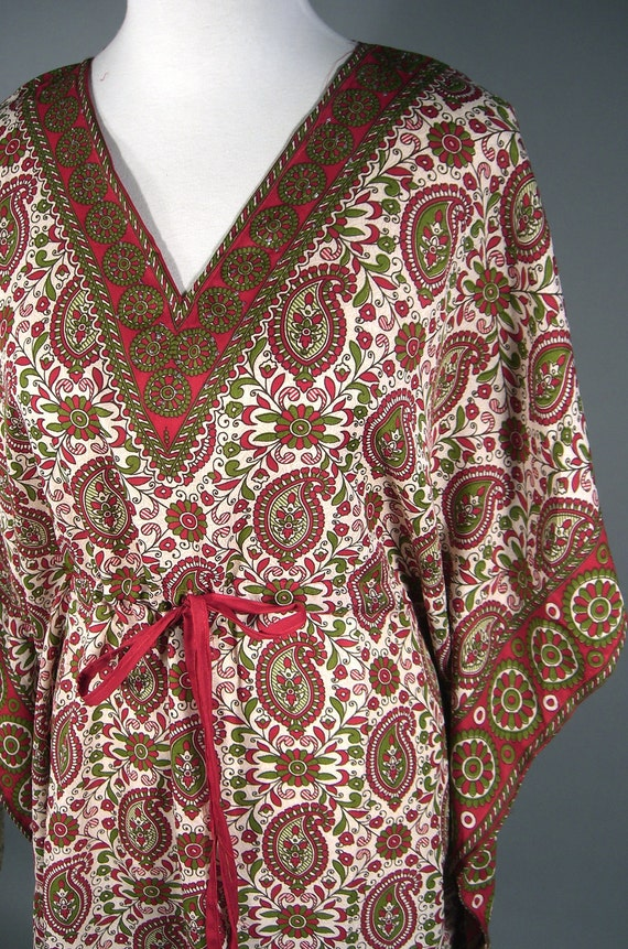 Red Green Silky Paisley 1970's Style Hippie Kaftan