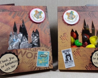 Harry Potter Hogwartz Party Favors In an easy to assemble do it yourself kit