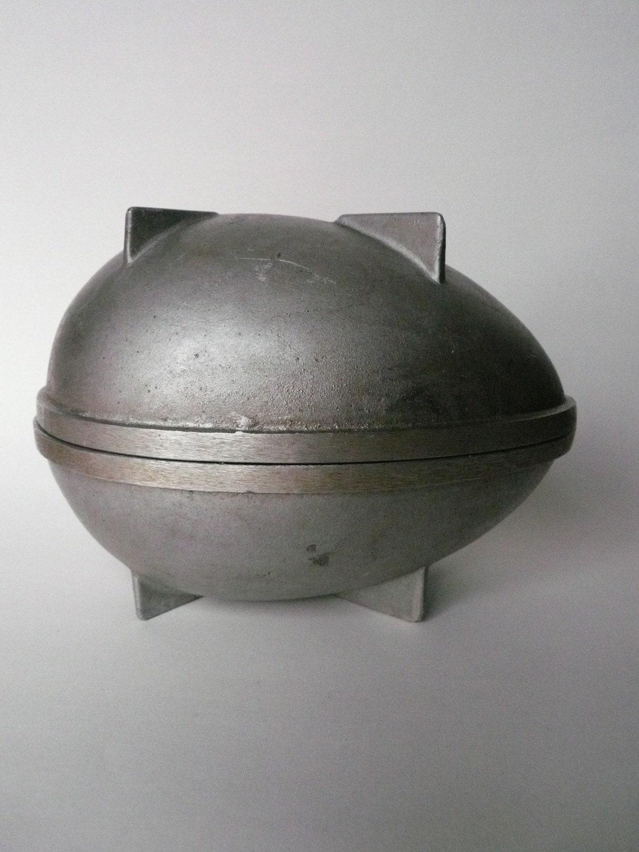 Large Egg Shaped Cake Tin