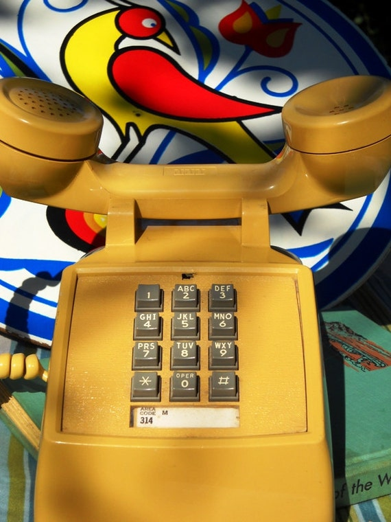 Vintage Yellow Touch Tone Phone. WORKS