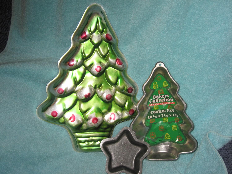 """Items Similar To Wilton 16"""" Christmas Tree Cake Pan 502"""