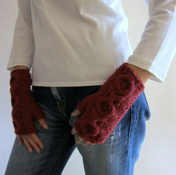 ON SALE  Fingerless Chunky Gloves in Burgundy