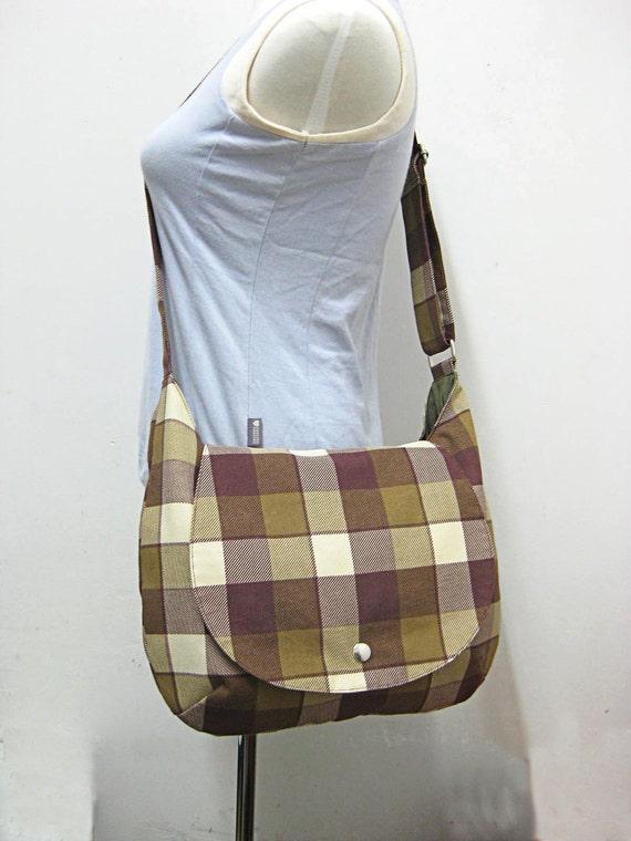 Christmas Sale - Cotton canvas shoulder bag / messenger bag / diaper bag - zipper pocket, chequer