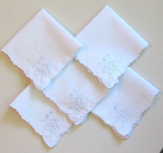 Vintage Cloth Embroidered Napkin Set White with Blue Butterfly Pattern, Scalloped Edges