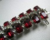 La Rel rhinestone bracelet of ruby and white stones        VJSE