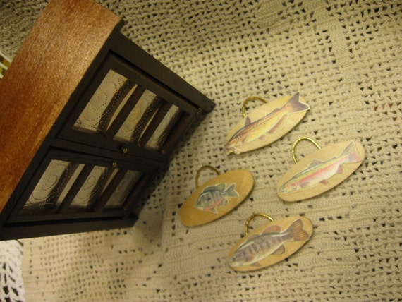 Miniature Dollhouse Fishing Plaques - Sport Fish Wall Hangings