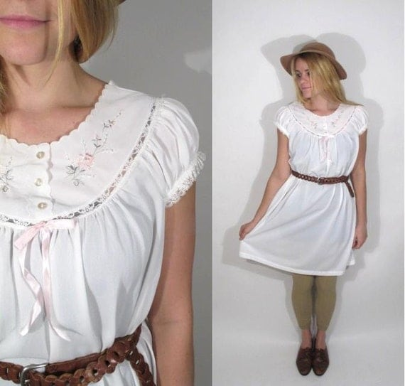 1970s White Embroidered Nightie turned Day Dress. Size S-M.