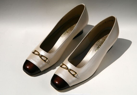 Magnificent California Magdesians Shoes with Gold Buckle Accents PRICE REDUCTION