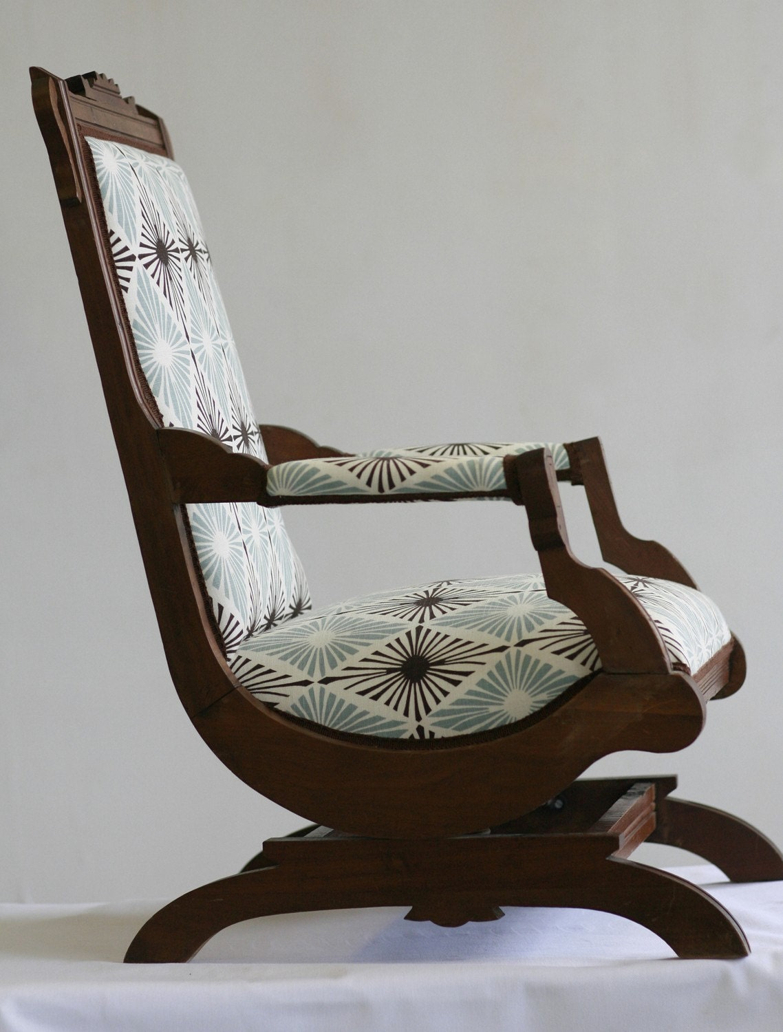 Antique victorian rocking chair - Rocking chair but ...