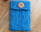 Pattern: Knotted Cables E Reader Cover