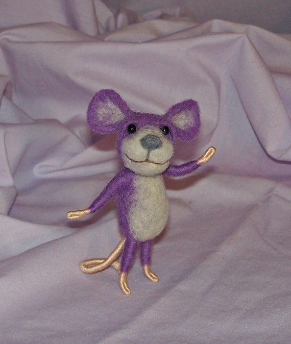 Needle Felted Lilac Mouse - FREE SHIPPING to US and Canada