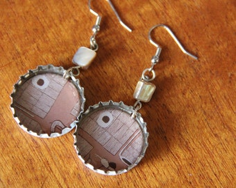 Bottle cap earrings // brown print // resin // Coopers beer // chunky earrings
