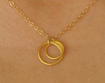 Entwined Circles Pendant Necklace in Gold, bridesmaid gift, interlocked circles, wedding, circle necklace