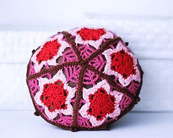 Crochet pillow Round pillow Red pink magenta Crochet flower Decorative pillow Size in diameter 9.8 inch/25 cm